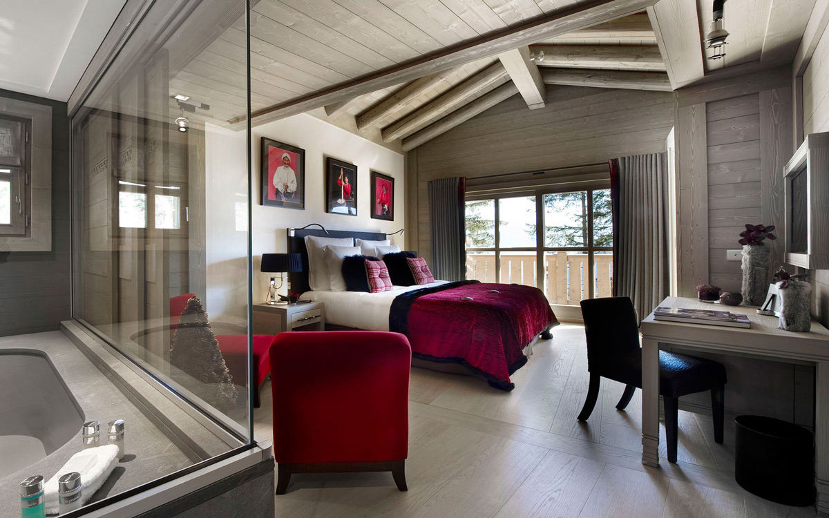 Bedroom-Bathroom-Chalet-in-Courchevel-1850-France
