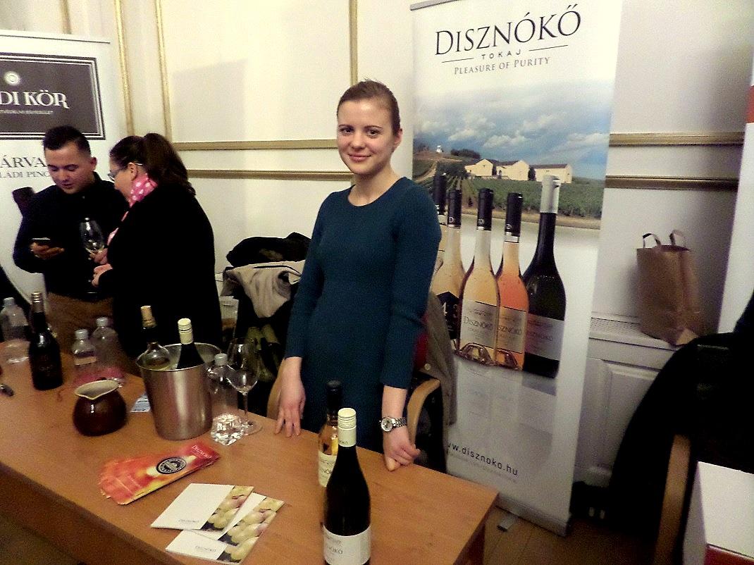 Disznókő boraiból is ízelítőt kaptunk / PTV Fotó: Vona Ildikó
