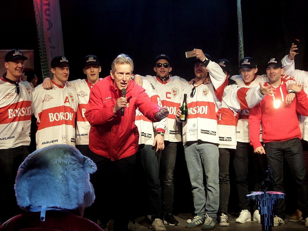 Doug Bradley, a DVTK Kegesmedvék edzője