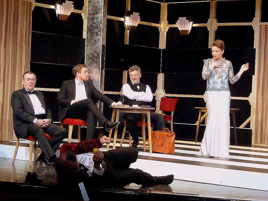 Jelenet a Játék a kastélyban előadásból (PTV Fotó: Vona Ildikó)