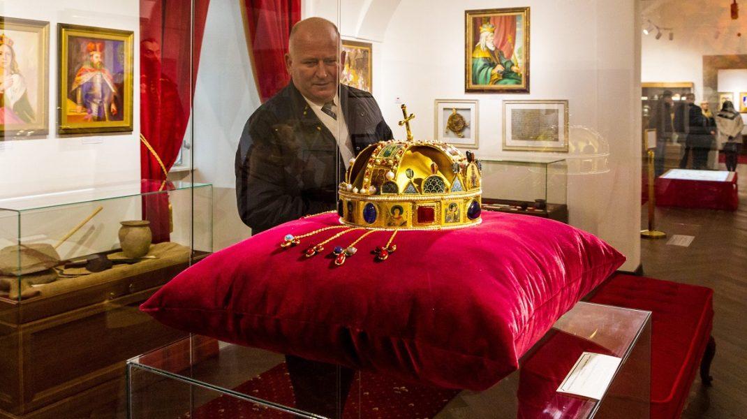 Kárpátalja történetét bemutató állandó kiállítást nyílt az ungvári várban