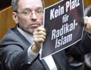 Horváth József biztonságpolitikai szakértő: a visegrádi országok bevándorlási politikáját erősítheti az új osztrák kormány
