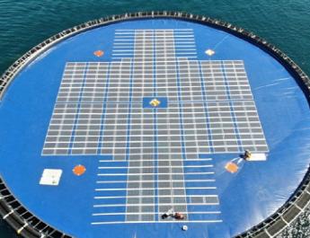 Úszó napelempark épül Albániában