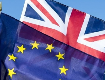 Megszavazta a brit alsóház a Brexit elhalasztását
