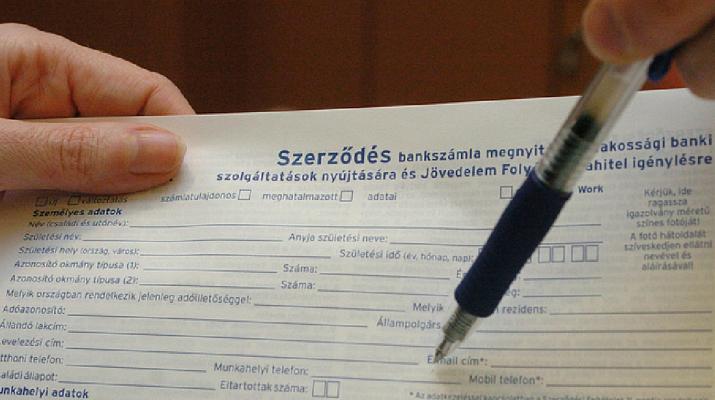 Változás jön a bankszámláknál júniustól: ráfizethet, aki nem vált újra