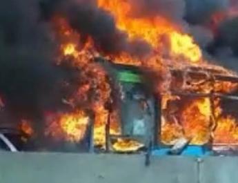 Iskolabuszt gyújtott fel egy migráns sofőr Milánó mellett