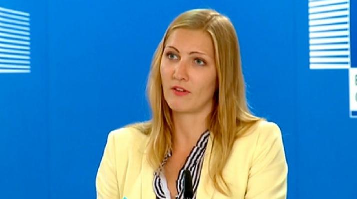 Uniós szóvivő: Nincsenek név nélküli bankkártyák migránsok számára