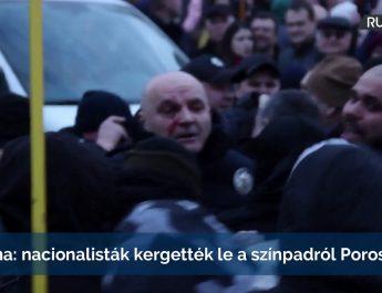 Ukrajna: nacionalisták kergették le a színpadról Porosenkót