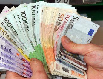 Nem csillapodik a pénzmosási botrány Európában