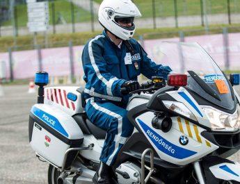 motoros rendőr ellenőrzés pestmegyében