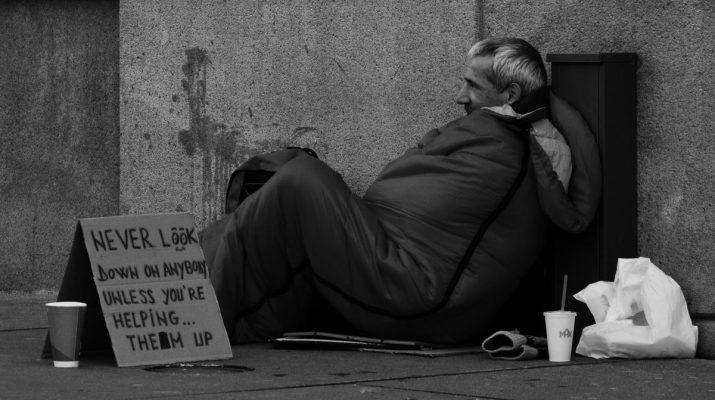Hajléktalan férfi