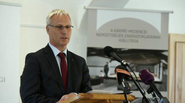 Soltész Miklós Miniszterelnökség egyházi és nemzetiségi kapcsolatokért felelős államtitkára