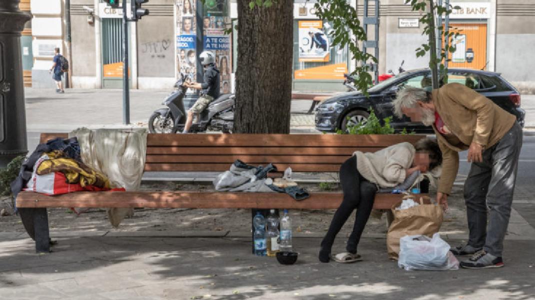 Budapest vagy Büdipest? – A hajléktalanok ellepték a fővárost. Ön mit szól hozzá?