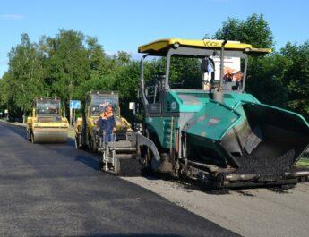Munkagépek dolgoznak az utakon Makón